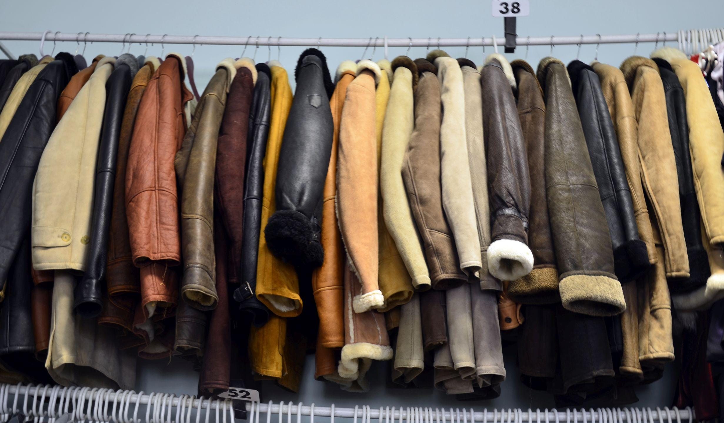 e04aa632cecd ... bőrkabát pécs, bőrkabátok pécs, használt bőrkabát pécs, bőrkabát, használt  bőrkabátok, bőrkabátok