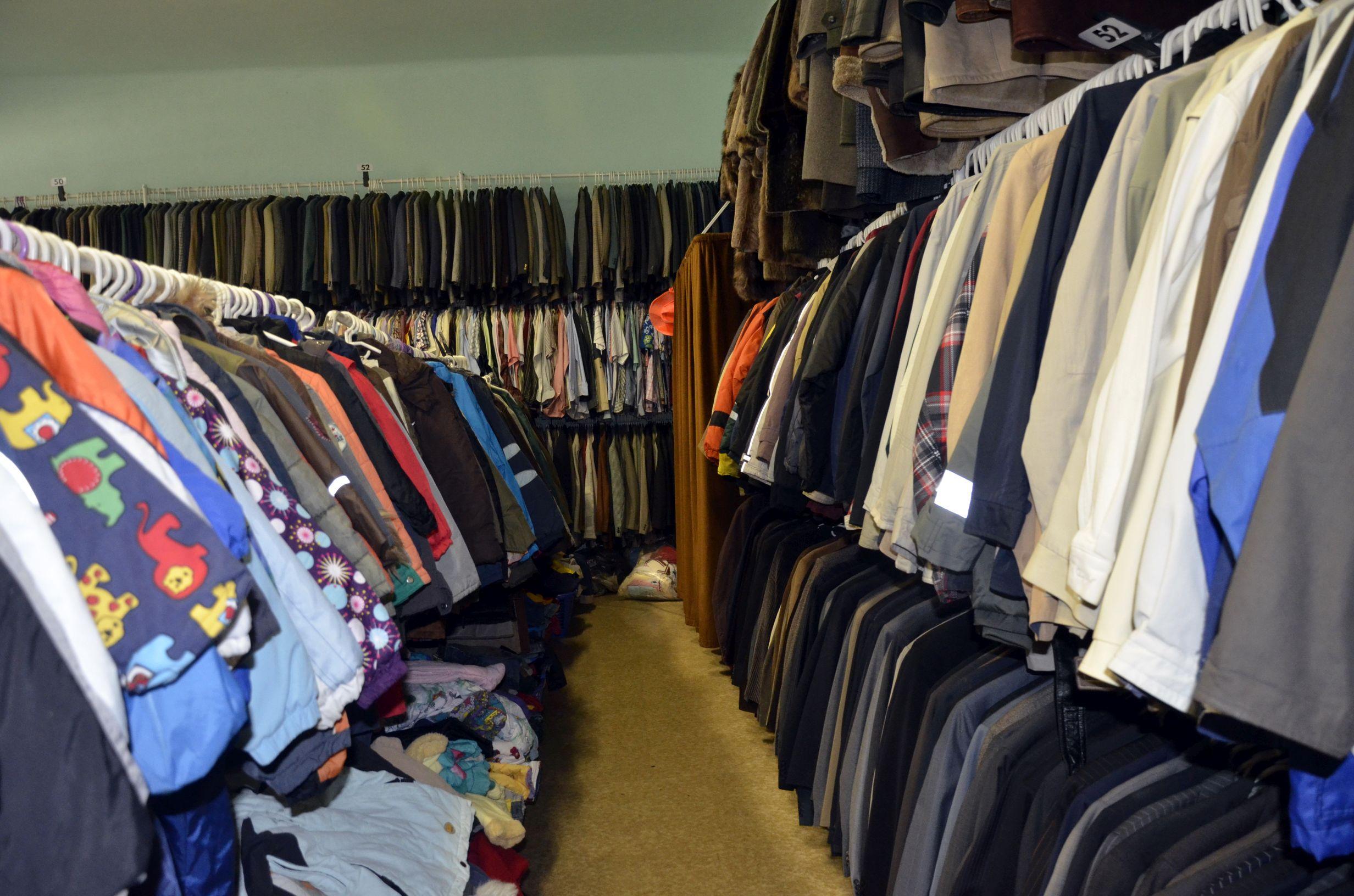 Használt ruhák Pécs - Használt ruhák - JÓ OLCSÓ Kft. 052a7d6f42
